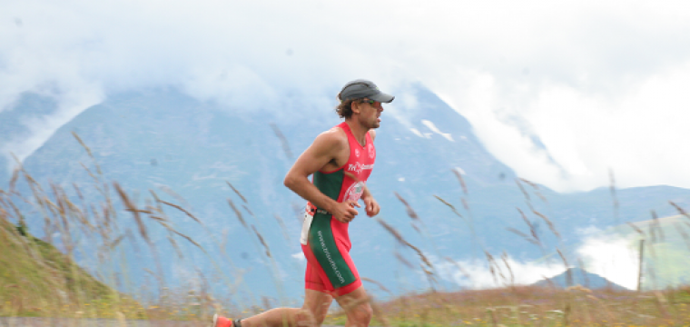 ALPE D'HUEZ TRIATHLON : INTERVIEW EXCLUSIVE DE TODD SKIPWORTH, VAINQUEUR DU L 2014 !