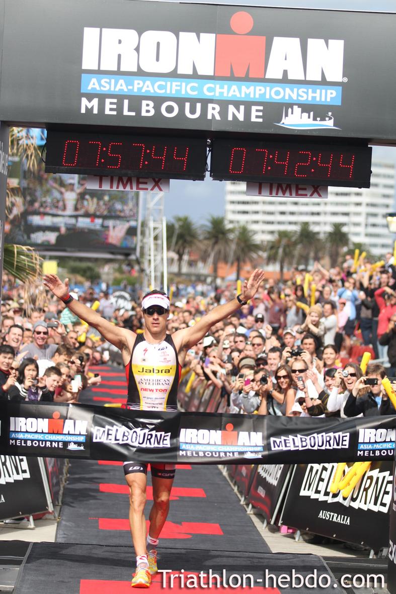 IM MELBOURNE : la victoire pour Crowie