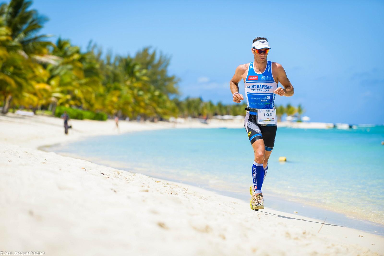 Olivier Marceau au départ de l'Indian Ocean Triathlon