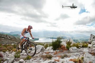 Dan Hugo et Flora Duffy remportent l'X TERRA d'Afrique du Sud.