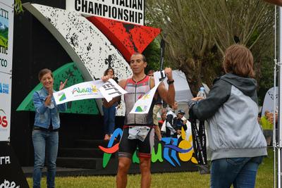 Ruzafa, Erbenova remportent l'XTERRA d'Italie